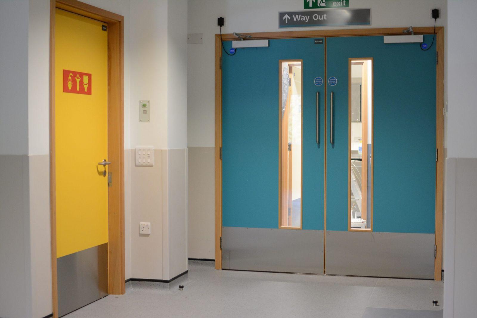 cửa chống cháy 2 cánh