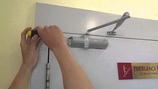 phụ kiện cửa chống cháy
